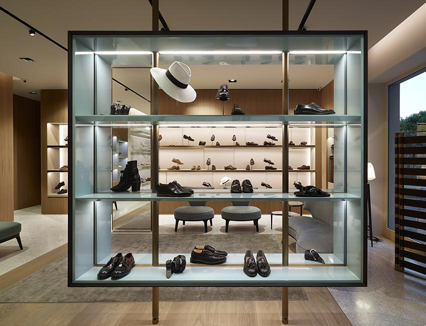GIUSEPPE BARTOLI | shoes store forte dei marmi | April 2017