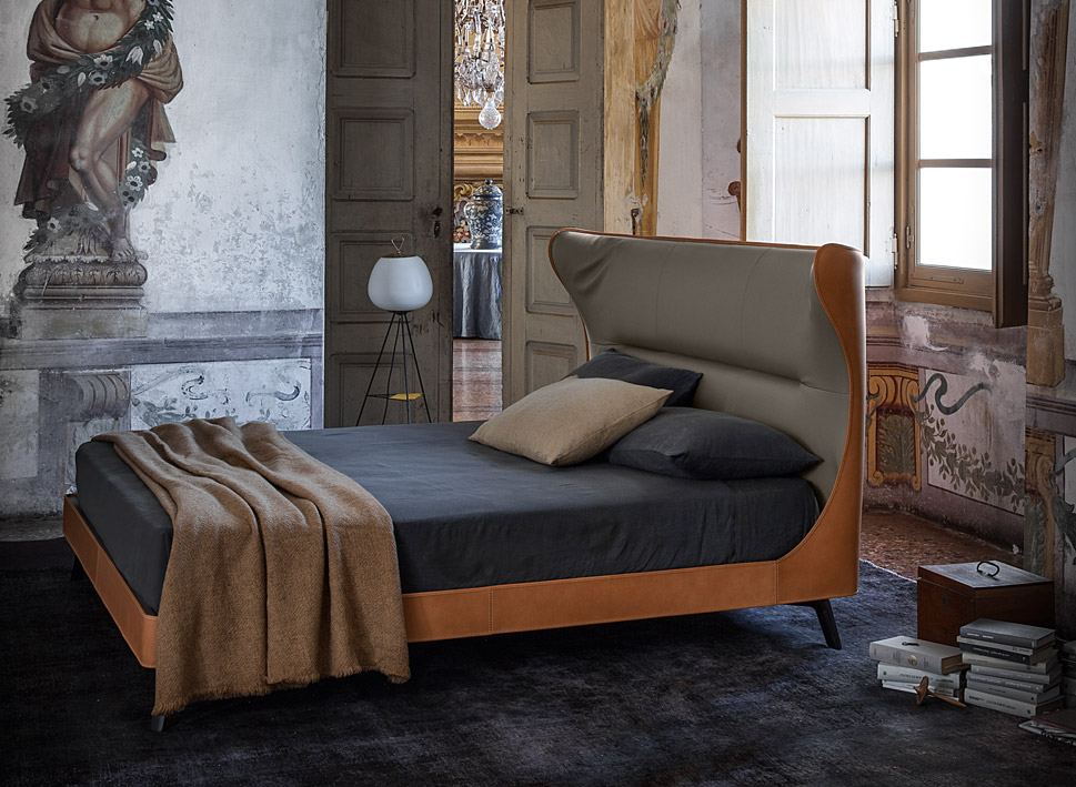 mamy blue roberto lazzeroni poltrona frau 02 roberto lazzeroni designer official website. Black Bedroom Furniture Sets. Home Design Ideas